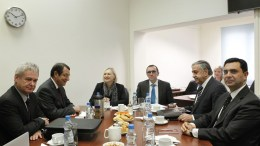 File Photo: Ο Πρόεδρος της Κυπριακής Δημοκρατίας κ. Νίκος Αναστασιάδης παρακάθισε σε συνομιλίες για το Κυπριακό με τον κατοχικό ηγέτη κ. Mustafa Akinci. Διακρίνονται επίσης  ο κ. Άιντα, η κ. Σπέχαρ, ο κ. Μαυρομμάτης και ο κ. Ναμί. Φωτογραφία ΧΡ. ΑΒΡΑΑΜΙΔΗΣ