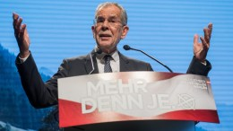 A file picture dated 02 December 2016 shows Presidential candidate and former head of the Austrian Green Party Alexander Van der Bellen speaks during his final election rally in Vienna, Austria. Van der Bellen on 04 December 2016 is tipped the winner in the early projections as polls close in the country which holds a re-run of the run-off which was narrowly won by van der Bellen on 22 May but later annulled by Austrian courts due to minor irregularities in vote counting following an appeal from rival Hofer. EPA, CHRISTIAN BRUNA