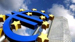 Σύμφωνα με το Bloomberg, η ελλάδα θα μπορούσε να υπάρξει το αστέρι των ευρωπαϊκών κρατών στις αγορές ομολόγων για το 2018 Φωτογραφία Αρχείου  EPA/ARNE DEDERT