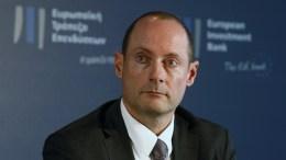 Ο Αναπληρωτής Διευθύνων Σύμβουλος της Τράπεζας Πειραιώς Γεώργιος Πουλόπουλος μιλάει στην εκδήλωση του Ευρωπαϊκού Ταμείου Επενδύσεων και της Ευρωπαϊκής Τράπεζας Επενδύσεων, για την υπογραφή της σύμβασης με τις ελληνικές συστημικές τράπεζς για την ενεργοποίηση του Υπερταμείου Συνεπενδύσεων, την Πέμπτη 22 Δεκεμβρίου 2016. ΑΠΕ-ΜΠΕ, ΑΛΕΞΑΝΔΡΟΣ ΒΛΑΧΟΣ