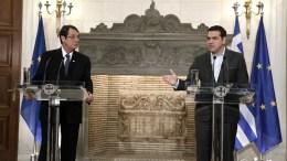 File PHOTO: Ο πρωθυπουργός Αλέξης Τσίπρας (Δ) κάνει δηλώσεις από κοινού με τον Πρόεδρο της Κύπρου Νίκο Αναστασιάδη (Α) μετά τη συνάντησή τους στο Μέγαρο Μαξίμου, Αθήνα, την Τετάρτη 16 Νοεμβρίου 2016. ΑΠΕ-ΜΠΕ, ΣΥΜΕΛΑ ΠΑΝΤΖΑΡΤΖΗ