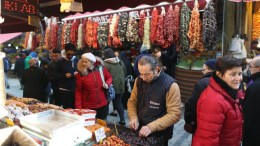 Turkish people shop at a local market in Ottoman era in Istanbul, Turkey, 08 December 2016. Turkish President Recep Tayyip Erdogan on 07 December encouraged Turkish consumers to sell US dollars in an effort to boost the Turkish Lira's position. Turkish Lira has suffered from strong US dollar and concerns of political instability in the country following the attempted military coup in July. EPA TOLGA BOZOGLU