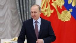 Ο Ρώσος πρόεδρος Πούτιν επισκέπτεται σήμερα τη Βουδαπέστη, μία από τις λίγες συμμάχους του στην Ευρώπη. EPA/SERGEI ILNITSKY/POOL