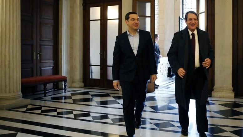File Photo: Ο Αλέξης Τσίπρας (Α) υποδέχθηκε τον Πρόεδρο της Κυπριακής Δημοκρατίας Νίκο Αναστασιάδη (Δ) στη συνάντηση που είχαν στο Μέγαρο Μαξίμου, Παρασκευή 30 Δεκεμβρίου 2016. ΑΠΕ-ΜΠΕ, ΑΛΕΞΑΝΔΡΟΣ ΒΛΑΧΟΣ
