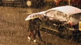 Χιόνι πέφτει σε περιοχή της Αθήνας, Πέμπτη 29 Δεκεμβρίου 2016 Από αργά την νύχτα έντονη ήταν η χιονόπτωση στα περισσότερα προάστια των Αθηνών, ενώ χιόνι έπεσε και στο κέντρο της πρωτεύουσας. ΑΠΕ-ΜΠΕ/Παντελής Σαίτας