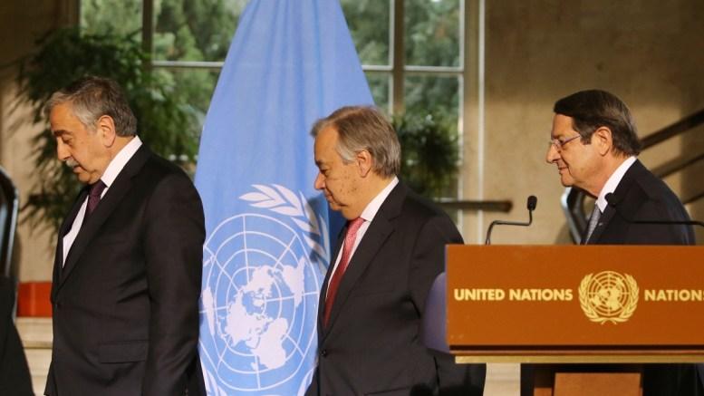 File Photo: Ο Γενικός Γραμματέας του ΟΗΕ Αντόνιο Γκουτέρες με τον Πρόεδρο της Δημοκρατίας κ. Νίκο Αναστασιάδη και τον κατοχικό ηγέτης κ. Μουσταφά Ακιντζί στη Γενεύη της Ελβετίας, πριν από την έναρξη της Διάσκεψης για το Κυπριακό, Πέμπτη 12 Ιανουαρίου 2017. ΚΥΠΕ, ΚΑΤΙΑ ΧΡΙΣΤΟΔΟΥΛΟΥ