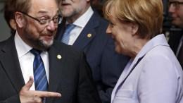 The file picture  shows former European Parliament President Martin Schulz and German Chancellor Angela Merkel (R). EPA, JULIEN WARNAND