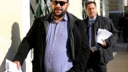 Ο Διευθυντής Σύνταξης της εφημερίδας Παναγιώτης Τζένος προσέρχεται στα δικαστήρια της πρώην Σχολής Ευελπίδων, την Παρασκευή 13 Ιανουαρίου 2017. Δικάζονται στο αυτόφωρο ο εκδότης των «Παραπολιτικών» Γιάννης Κουρτάκης και ο Διευθυντής Σύνταξης της εφημερίδας Παναγιώτης Τζένος, μετά από μήνυση του ΥΕΘΑ Πάνου Καμμένου. ΑΠΕ-ΜΠΕ/ΑΛΕΞΑΝΔΡΟΣ ΒΛΑΧΟΣ