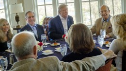 US President Donald J. Trump (C), flanked by Secretary of Veterans Affairs David Shulkin (2-L) and Commerce Secretary Wilbur Ross (R) has a working lunch with staff and cabinet members and significant others at his golf course Trump National in Potomac Falls, Virginia, USA, 11 March 2017. EPA, Pete Marovich / POOL