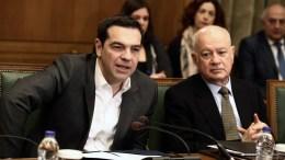 FILE PHOTO. Ο πρωθυπουργός Αλέξης Τσίπρας (Α) και ο υπουργός Οικονομίας Δημήτρης Παπαδημητρίου (Δ) σε  συνεδρίαση του υπουργικού συμβουλίου.  ΑΠΕ-ΜΠΕ, SIMELA PANTZARTZI