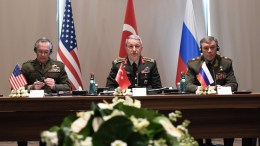 A handout photo made available by Turkish Armed Forces General Staff Press Office on 07 March 2017 shows Chief of the General Staff of the Turkish Armed Forces, Hulusi Akar (C), US Chariman of the Joint Staff General Joseph Dunford (L) and Russian Chief of General Staff General Valery Gerasimov (R) during their meeting in Antalya, Turkey, 07 March 2017. Turkish, Russian and US Chiefs of General Staff meeting was on recent operations against IS in Syria. EPA/TURKISH ARMED FORCES GENERAL STAFF PRESS OFFICE HANDOUT HANDOUT EDITORIAL USE ONLY/NO SALES