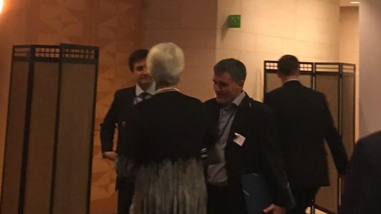 Ο Ευκλείδης Τσακαλώτος με την κ. Κριστίν Λαγκάρντ και τον κ. Χουλιαράκη. Φωτογραφία ΛΕΝΑ ΑΡΓΥΡΗ