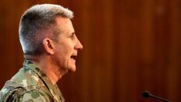 Ο Αμερικανός στρατηγός Νίκολσον δεν διαψεύδει ότι η Ρωσία προμηθεύει με όπλα τους Ταλιμπάν. FILE PHOTO. EPA/HEDAYTULLAH AMID