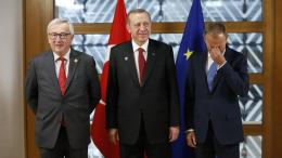 FILE PHOTO. Turkish President Recep Tayyip Erdogan (C) poses with European Council President Donald Tusk (R) and European Commission President Jean-Claude Juncker (L) in Brussels, Belgium.  EPA/FRANCOIS LENOIR / POOL