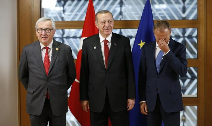 FILE PHOTO. Turkish President Recep Tayyip Erdogan (C) poses with European Council President Donald Tusk (R) and European Commission President Jean-Claude Juncker (L) in Brussels, Belgium.  EPA/FRANCOIS LENOIR / POOL