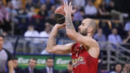 Ο παίκτης του Ολυμπιακού Βασίλης Σπανούλης κατά τη διάρκεια του αγώνα 'Αρης - Ολυμπιακός  της τρίτης, ημιτελικής φάσης  των πλει οφ της  Basket League στο Αλεξάνδρειο Μέλαθρον. Θεσσαλονίκη, Σάββατο 13 Μαΐου 2017. Τελικό αποτέλεσμα Άρης - Ολυμπιακός 77-84.  ΑΠΕ ΜΠΕ/PIXEL/ΜΠΑΡΜΠΑΡΟΥΣΗΣ ΣΩΤΗΡΗΣ
