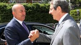 File Photo: Ο Πρόεδρος της Δημοκρατίας κ. Νίκος Αναστασιάδης μαζί με τον Τούρκο Υπουργό Εξωτερικών, Μεβλούτ Τσαβούσογλου στη Διάσκεψη για το Κυπριακό, στο Crans Montana της Ελβετίας, Δευτέρα 3 Ιουλίου 2017. ΚΥΠΕ, ΚΑΤΙΑ ΧΡΙΣΤΟΔΟΥΛΟΥ