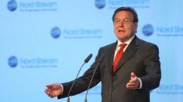 Ο πρώην καγκελάριος της Γερμανίας, Γκέρχαρντ Σρέντερ. EPA/SERGEI ILNITSKY.