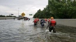 A handout photo made available by the Texas Military Department shows Texas National Guard soldiers arriving to aid citizens in heavily flooded areas from the storms of Hurricane Harvey in Houston, Texas, USA, 27 August 2017 (issued 28 August 2017). The areas in and around Houston and south Texas are experiencing record floods after more than 24 inches of rain after Harvey made landfall in the south coast of Texas as a category 4 hurricane, the most powerful to affect the US since 2004. EPA, LT. ZACHARY WEST, 100TH MPAD HANDOUT, EDITORIAL USE ONLY