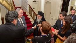 Ο Υπουργός Εξωτερικών Νίκος Κοτζιάς με τον Αρχιεπίσκοπο Αμερικής Δημήτριο την Πέμπτη 21 Σεπτεμβρίου 2017 στην έδρα της Ιεράς Αρχιεπισκοπής Αμερικής στη Νέα Υόρκη. Φωτογραφία ΔΗΜΗΤΡΗΣ ΠΑΝΑΓΟΣ, PHOTOS: GANP, DIMITRIOS PANAGOS