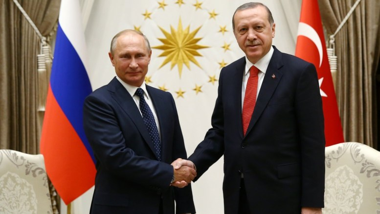 A handout photo made available by the Turkish Presidential Press Office shows Russian President Vladimir Putin (L) and Turkish President Recep Tayyip Erdogan (R) pose before their meeting at Presidential Palace in Ankara, Turkey 28 September 2017. EPA/TURKISH PRESIDENTIAL PRESS OFFICE / HANDOUT HANDOUT EDITORIAL USE ONLY/NO SALES