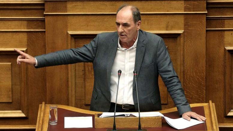 Ο υπουργός Περιβάλλοντος και Ενέργειας, Γιώργος Σταθάκης απαντάει  στην επίκαιρη επερώτηση 39 βουλευτών της ΝΔ με θέμα: «Η Κυβέρνηση ΣΥΡΙΖΑ-ΑΝΕΛ αποφασίζει, συμφωνεί και εκτελεί τη χρεωκοπία της ΔΕΗ» στη Βουλή, Αθήνα, την Παρασκευή 29 Σεπτεμβρίου 2017. ΑΠΕ-ΜΠΕ/ΑΠΕ-ΜΠΕ/ΣΥΜΕΛΑ ΠΑΝΤΖΑΡΤΖΗ