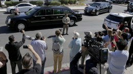 US President Donald J. Trump leaves University Medical Center in his motorcade after meeting with hospital personnel and victims of the mass shooting at the Route 91 Harvest Festival in Las Vegas, Nevada, USA, 04 October 2017. EPA/PAUL BUCK