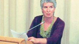 Η κυρία Ελένη Γιαννακοπούλου. Φωτογραφία Πρώτο Θέμα.
