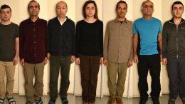 Φωτογραφία που δόθηκε στη δημοσιότητα από την Αντιτρομοκρατική Υπηρεσία (Δ.Α.Ε.Ε.Β.), κατόπιν σχετικής Διάταξης της Εισαγγελίας Πρωτοδικών Αθηνών και εικονίζει τους εννέα Τούρκους υπηκόους που συνελήφθησαν για τρομοκρατία. ΑΠΕ ΜΠΕ/ΥΠΟΥΡΓΕΙΟ ΠΡΟΣΤΑΣΙΑΣ ΤΟΥ ΠΟΛΙΤΗ/STR