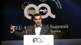 """Ο πρωθυπουργός Αλέξης Τσίπρας μιλάει στη 2η Ευρω-Αραβική Σύνοδο """"EU Arab World Summit"""" στο Μέγαρο Μουσικής, Αθήνα, την Πέμπτη 09 Νοεμβρίου 2017. ΑΠΕ-ΜΠΕ/ΣΥΜΕΛΑ ΠΑΝΤΖΑΡΤΖΗ"""