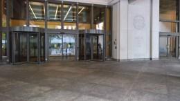 Η είσοδος των κεντρικών γραφείων του ΔΝΤ. Φωτογραφία mignatiou.com