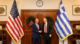 Ο υπουργός Οικονομίας και Ανάπτυξης Δημήτρης Παπαδημητρίου (Δ) συναντήθηκε με τον υπουργό Εμπορίου των ΗΠΑ Wilbur Ross, στην Ουάσιγκτον Τρίτη 12 Δεκεμβρίου 2017. ΑΠΕ-ΜΠΕ/Υπουργείο Οικονομίας & Ανάπτυξης/STR