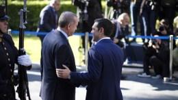 File Photo: Ο πρωθυπουργός Αλέξης Τσίπρας (Δ) υποδέχεται τον Πρόεδρο της Τουρκίας Ρετζέπ Ταγίπ Ερντογάν (Recep Tayyip Erdogan) (Α)  στη συνάντηση τους στο Μέγαρο Μαξίμου,  Αθήνα, Πέμπτη 7 Δεκεμβρίου 2017. ΑΠΕ-ΜΠΕ, ΓΡΑΦΕΙΟ ΤΥΠΟΥ ΠΡΩΘΥΠΟΥΡΓΟΥ, Andrea Bonetti