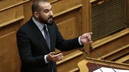 Ο κυβερνητικός εκπρόσωπος Δημήτρης Τζανακόπουλος μιλάει στη συζήτηση στην Ολομέλεια της Βουλής για την κύρωση του Κρατικού Προϋπολογισμού οικονομικού έτους 2018, Αθήνα, Τρίτη 19 Δεκεμβρίου 2017. ΑΠΕ-ΜΠΕ/ΣΥΜΕΛΑ ΠΑΝΤΖΑΡΤΖΗ