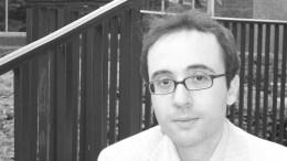 Ο καθηγητής Δημήτρης Γιατρομανωλάκης. Φωτογραφία από το αρχείο του