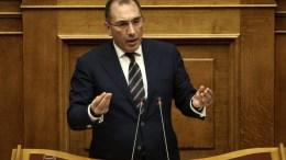 Ο βουλευτής των ΑΝΕΛ Δημήτρης Καμμένος μιλάει στη συζήτηση στην Ολομέλεια της Βουλής. ΑΠΕ-ΜΠΕ/ΣΥΜΕΛΑ ΠΑΝΤΖΑΡΤΖΗ