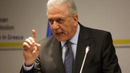 Ο Επίτροπος Μετανάστευσης, Εσωτερικών Υποθέσεων και Ιθαγένειας της Ε.Ε. Δημήτρης Αβραμόπουλος μιλάει κατά την διάρκεια της συνέντευξης Τύπου που παραχώρησε στο γραφείο της Αντιπροσωπείας της Ευρωπαϊκής Επιτροπής στην Αθήνα , για το θέμα της Novartis, File Photo,  ΑΠΕ-ΜΠΕ,ΟΡΕΣΤΗΣ ΠΑΝΑΓΙΩΤΟΥ