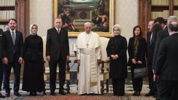 File Photo: Pope Francis (C) poses with Turkish President Recep Tayyip Erdogan (C-L) and his wife Emine Erdogan (C-R) and members of their delegation during a private audience at the Vatican. EPA, ALESSANDRO DI MEO / POOL