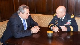 Ο υπουργός Εθνικής Άμυνας Πάνος Καμμένος συναντήθηκε με τον Διοικητή των Αμερικανικών Δυνάμεων στην Ευρώπη (USAREUR) Αντιστράτηγο Christopher Cavoli, στο περιθώριο της 54ης Διάσκεψης του Μονάχου για την Ασφάλεια, Παρασκευή 16 Φεβρουαρίου 2018. ΑΠΕ-ΜΠΕ, ΓΡΑΦΕΙΟ ΤΥΠΟΥ ΥΠΕΘΑ