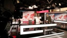 File Photo: Εργαζόμενοι του MEGA στο studio των ειδήσεων ΑΠΕ-ΜΠΕ,  ΣΥΜΕΛΑ ΠΑΝΤΖΑΡΤΖΗ