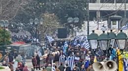 Οι πρώτες εικόνες απο το Σύνταγμα όπου αρχίζουν να συγκεντρώνονται οι διαδηλωτές. Φωτογραφία mignatiou.com