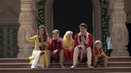 A handout photo made available by the Akshardham Temple Gandhinagar shows Canadian Prime Minister Justin Trudeau (2-R) and his wife, Sophie Gregoire Trudeau (L) with their sons Hadrien (R) and Xavie (2-L), daughter Ella-Grace (C) pose for photographs  EPA/AKSHARDHAM TEMPLE GAND HANDOUT  HANDOUT EDITORIAL USE ONLY