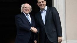 Ο πρωθυπουργός Αλέξης Τσίπρας (Δ) υποδέχεται τον Πρόεδρο της Ιρλανδίας Michael D. Higgins (Α) κατά τη διάρκεια συνάντησής τους στο Μέγαρο Μαξίμου, Αθήνα, Πέμπτη 22 Φεβρουαρίου 2018. Ο Ιρλανδός Πρόεδρος πραγματοποιεί τριήμερη επίσημη επίσκεψη στην Αθήνα. ΑΠΕ-ΜΠΕ, ΣΥΜΕΛΑ ΠΑΝΤΖΑΡΤΖΗ