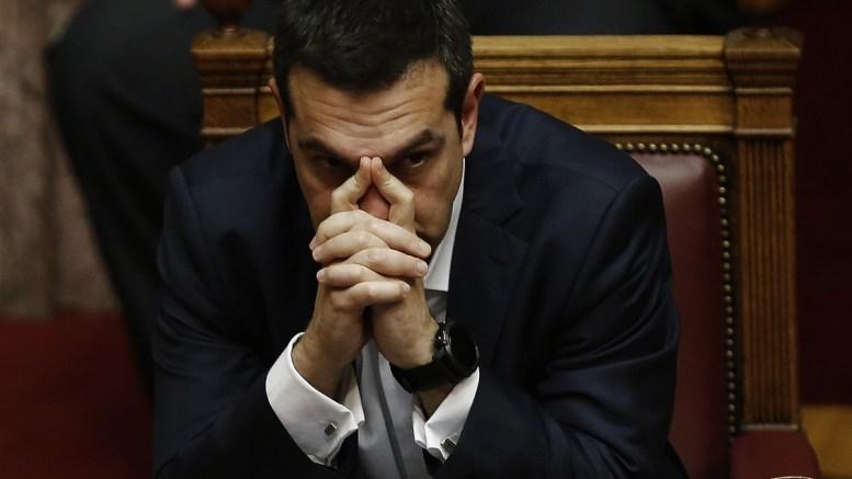 Ο πρωθυπουργός Αλέξης Τσίπρας παρακολουθεί στη συζήτηση και ψηφοφορία επί της προτάσεως της κυβερνητικής πλειοψηφίας για τη συγκρότηση επιτροπής προκαταρκτικής εξέτασης για την υπόθεση NOVARTIS, στην Ολομέλεια της Βουλής, Τετάρτη 21 Φεβρουαρίου 2018. ΑΠΕ-ΜΠΕ, ΑΛΕΞΑΝΔΡΟΣ ΒΛΑΧΟΣ