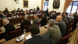 Ο πρόεδρος της Βουλής Νίκος Βούτσης (Κ) προεδρεύει στην έκτακτη Διάσκεψη των Προέδρων της Βουλής, Τρίτη 20 Φεβρουαρίου 2018, όπου θα συζητηθούν οι λεπτομέρειες για την οργάνωση της αυριανής συζήτησης στη Βουλή αναφορικά με την πρόταση της κυβερνητικής πλειοψηφίας να συγκροτηθεί επιτροπή προκαταρκτικής εξέτασης για την υπόθεση NOVARTIS. ΑΠΕ-ΜΠΕ, ΣΥΜΕΛΑ ΠΑΝΤΖΑΡΤΖΗ
