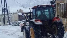 Περίπου  24 μηχανήματα της Περιφερειακής Ενότητας Τρικάλων, επιχειρούν στα ορεινά για την αντιμετώπιση της επέλασης του χιονιά. ΑΠΕ-ΜΠΕ, ΜΠΟΥΓΙΩΤΗΣ ΕΥΑΓΓΕΛΟΣ