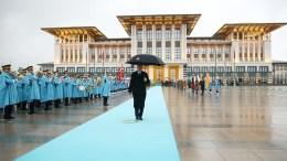 Ο πρόεδρος της Τουρκίας Ταγίπ Ερντογάν στο παλάτι του. Φωτογραφία ΤΟΥΡΚΙΚΗ ΠΡΟΕΔΡΙΑ