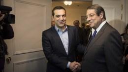 Στιγμιότυπο από τη συνάντηση του Αλέξη Τσίπρα με τον Νίκο Αναστασιάδη στις Βρυξέλλες, via Twitter: @tsipras_eu