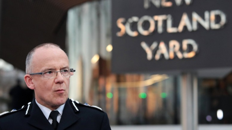 File Photo:      London Metropolitan Police Service (MPS) Assistant Commissioner Mark Rowley speaks to the press. EPA, ANDY RAIN *** Local Caption *** 53404200