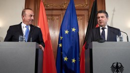 Turkish Foreign Minister Mevlut Cavusoglu and German Minister of Foreign Affairs Sigmar Gabriel in Berlin, Germany, 06 March 2018. EPA, HAYOUNG JEON